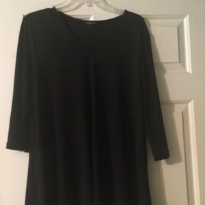 Tops - Pretty smooth like material blouse.. classy